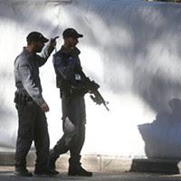 O dispositivo de segurança em torno das exéquias do antigo chefe de Estado israelita é considerado o maior da história do país, envolvendo só em Jerusalém o destacamento de 8.000 agentes em diversos pontos da cidade.