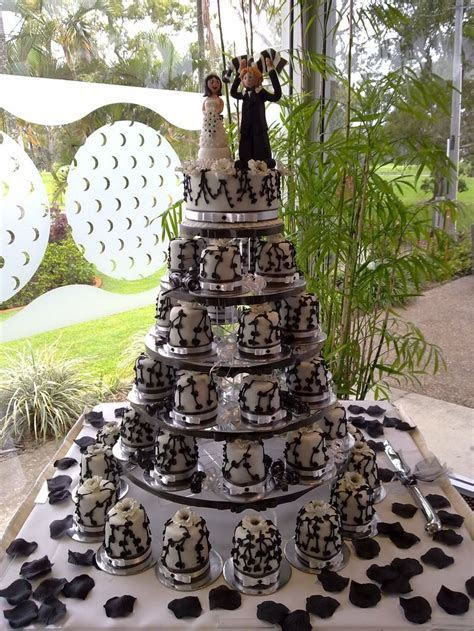 Cakes By Exclusive Designs   Wedding Cakes Calamvale
