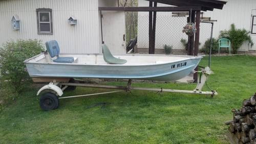 12 FT BOAT & TRAILER - $400 OBO for sale in North Manchester, Indiana