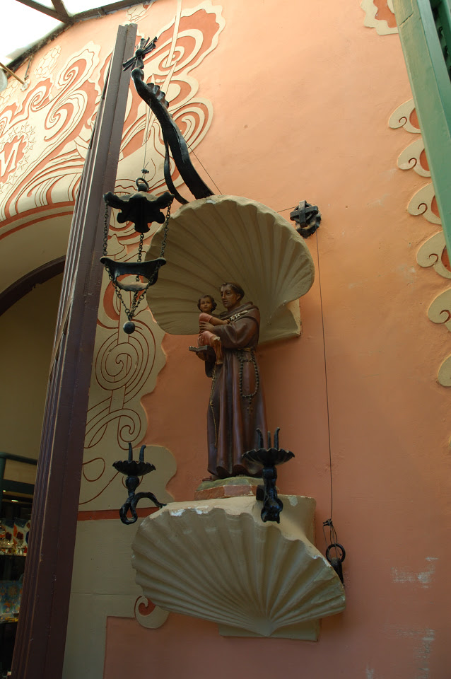 Figure of Saint Holding Child at Park Guell [enlarge]