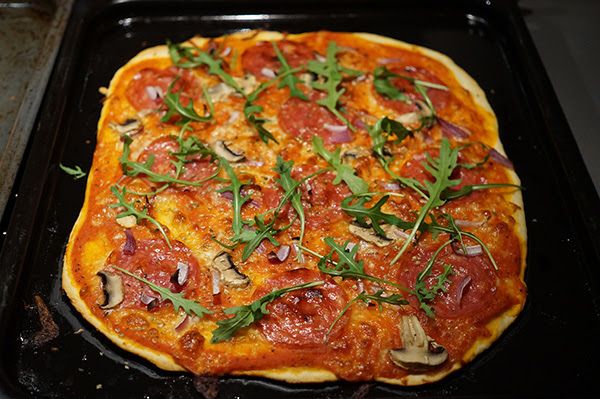 enkel pizzadeg utan jäst och bakpulver