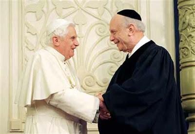 Benedetto XVI alla sinagoga di New York