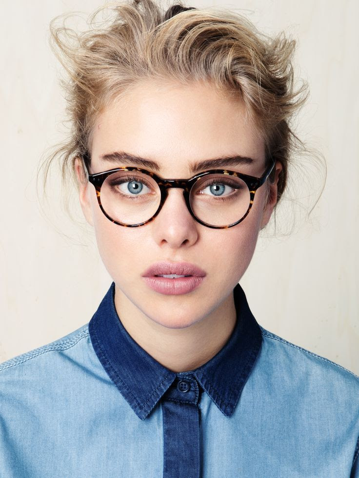 LE FASHION BLOG CHIC FRAMES LOOKMATIC IPAD AIR GIVEAWAY ACE TATE ROUND TORT EYEGLASSES GLASSES EFFORTLESS LOW BUN CHIGNON PINK LIPSTICK BLUE EYES GROOMED BOLD EYEBROWS CONTRAST COLLAR DENIM BUTTON UP SHIRT COLORBLOCK DENIM 3 photo LEFASHIONBLOGCHICFRAMESLOOKMATICIPADAIRGIVEAWAYACETATE3.jpg