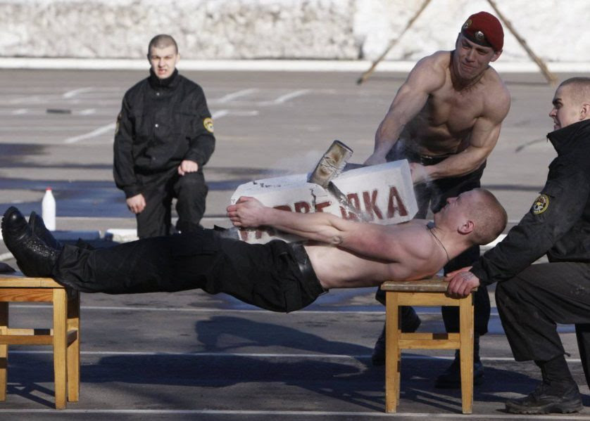 treinamentos militares insanos 1------
