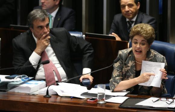 Dilma afirma que foi vítima de golpe parlamentar originado de uma chantagem explícita de Eduardo Cunha