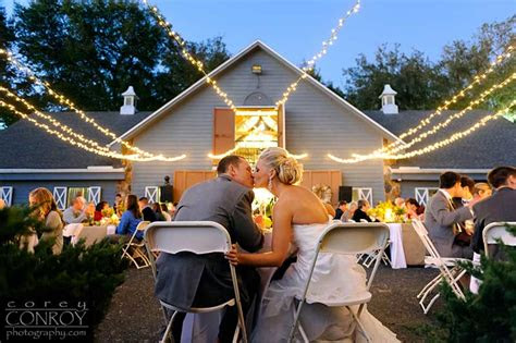 barn wedding venues  florida youve  heard