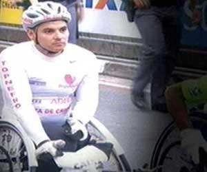 O paratleta Israel Cruz Jackson de Barros, durante a prova da São Silvestre deste ano (Foto: TV Globo)