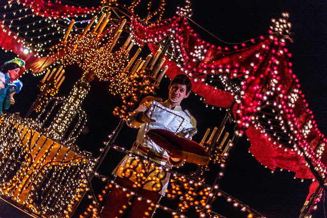 Main Street Electrical Parade:  Prince Charming Offers the Glass Slipper