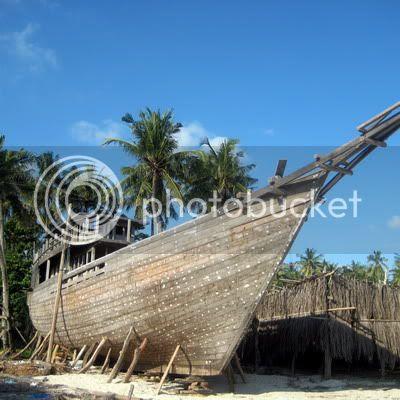 Kapal Pinisi Dalam Proses Pembuatan
