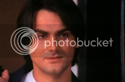 http://i298.photobucket.com/albums/mm253/blogspot_images/Pyaar%20Kiya%20To%20Darna%20Kiya/PDVD_002.jpg