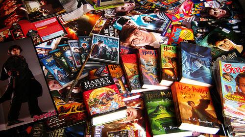 http://favim.com/orig/201107/31/book-books-harry-potter-wand-Favim.com-117687.jpg