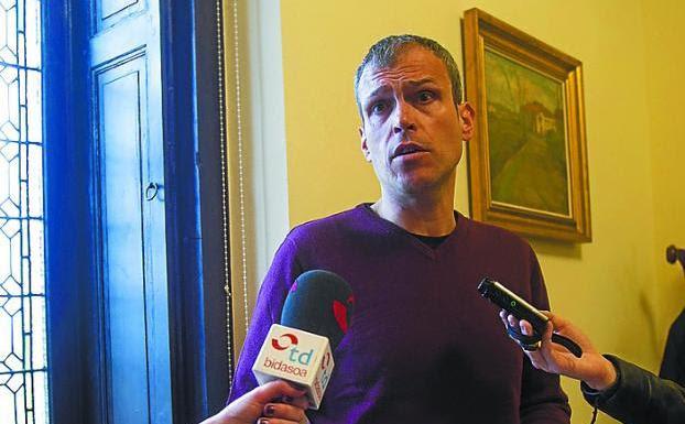 Delegado. Sergio Corchón informó sobre los encuentros./F. DE LA HERA