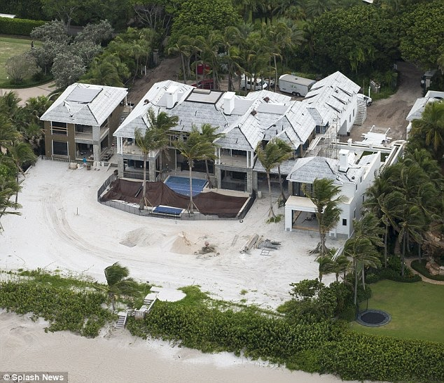 A Luxury Mansion L: Fabulous: Construction On Tiger Woods' Ex Elin Nordegren's
