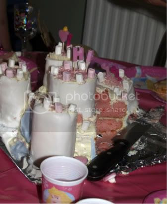 Bellas 5th Birthday Party Princess Castle Cake7