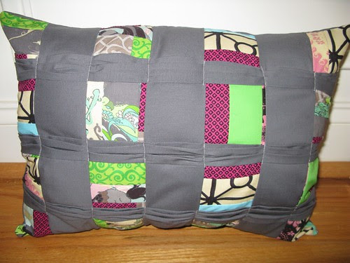 Craftbud's Pleated Box Pillow Sew Along