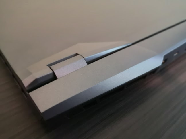 The MSI GE66 Raider 10SGS gaming laptop has robust hinges