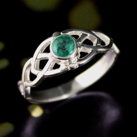 irish claddagh celtic wedding ring featuring celtic knot