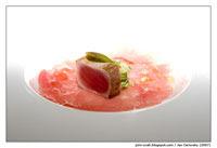 Carpaccio z tuňáka Yellow Fin a opečený plátek tuňáka s tartarem ze salátové okurky