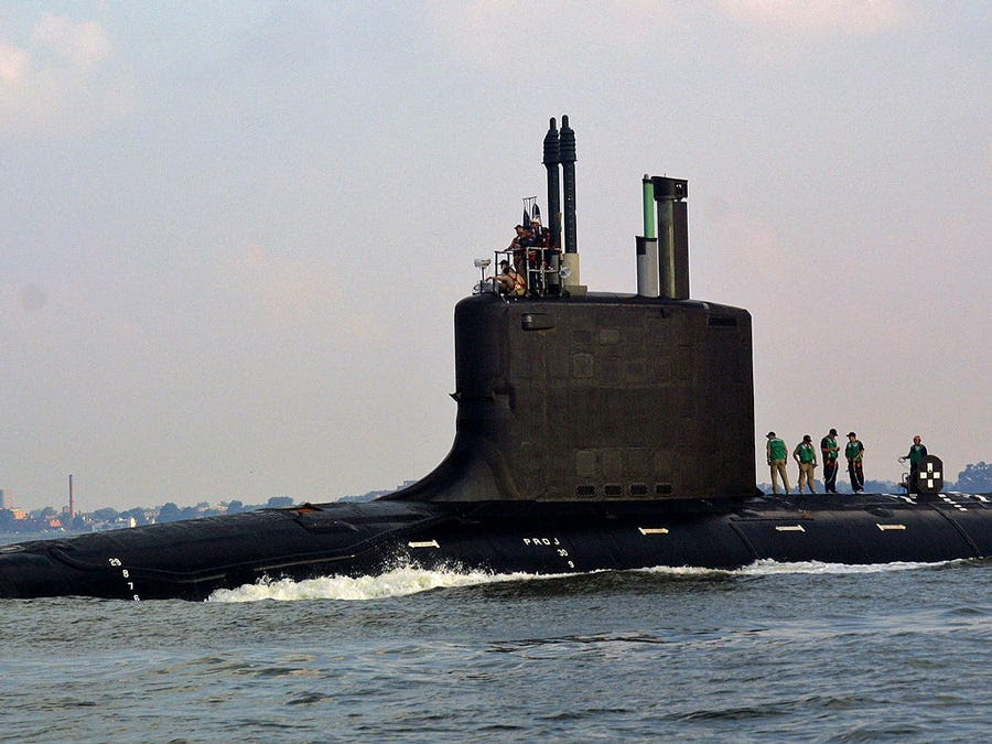 http://static1.businessinsider.com/image/5018036e6bb3f74320000011-900/the-virginia-class-submarine-is-a-new-breed-of-high-tech-post-cold-war-nuclear-subs.jpg