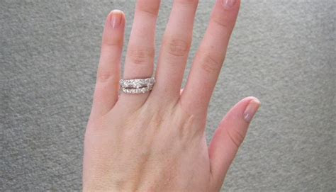 How to Wear the Wedding and Engagement Rings   WeddingElation