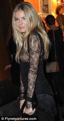 Belle du jour: Sienna hotfooted-lo a Paris depois de aparecer na frente do inquérito Leveson