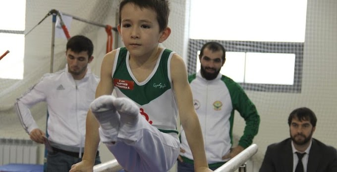 Юные ингушские гимнасты успешно выступили наоткрытых соревнованиях заКубок Махачкалы