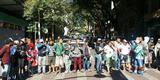 Grupo interdita o trânsito nos dois sentidos da Praça Sete e trânsito é complicado na região
