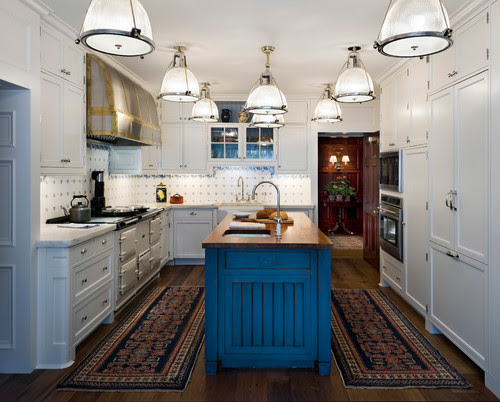 Is It A Kitchen Or A Tanning Bed They Could Ve Tucked In A Couple Of Recessed Lights And Still Had A Strong Impact With The Pendants Just Me