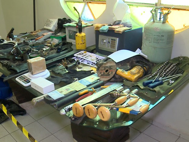 Mateiral que foi apreendido durante a Operação Forasteiros no Piauí (Foto: Reprodução/TV Clube)