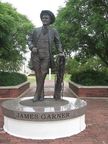 Exploring Oklahoma History James Garner Statue