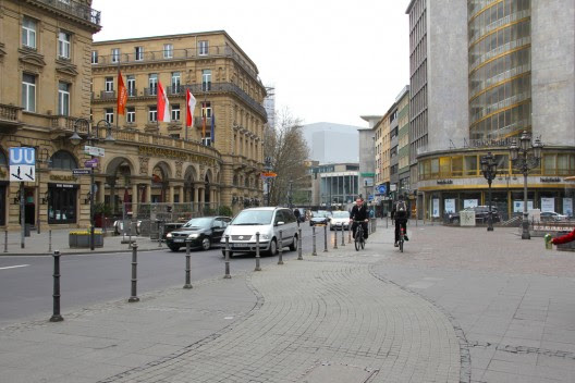 Frankfurt, Alemania. ©  MichelleBikeWalkLincolnPark, vía Flickr.