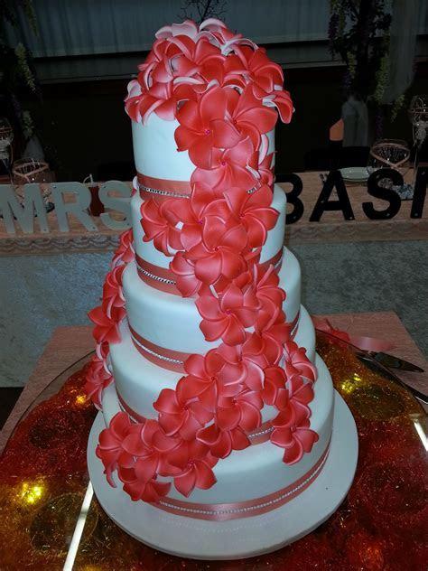Samoan and Thursday Island. union 350 pax   Wedding cakes