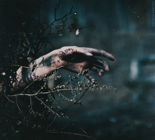 afraid, dark, darkness, grunge, hand, love, people, photography, tumblr