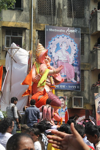 Tekjukaya And Chintamani Cha Raja Face To Face by firoze shakir photographerno1
