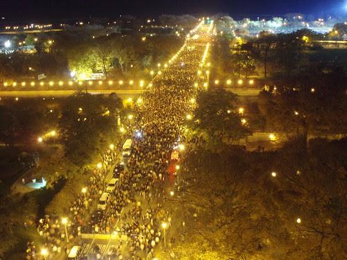 Post-rally crowds flooding Balbo