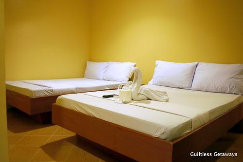 bedroom-gran-prix-hotel.jpg