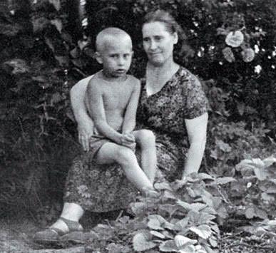Мать Владимира Путина - Мария Ивановна Шеломова матери, такие разные