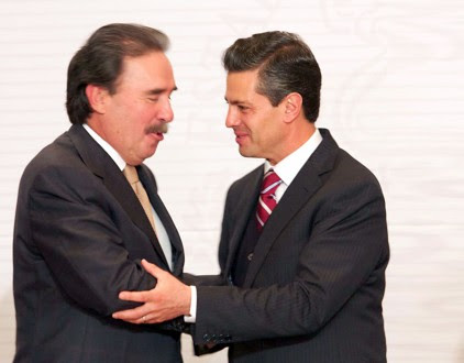 Gamboa y Peña durante el encuentro con senadores. Foto: Presidencia