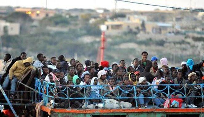 Risultati immagini per immigrati libia