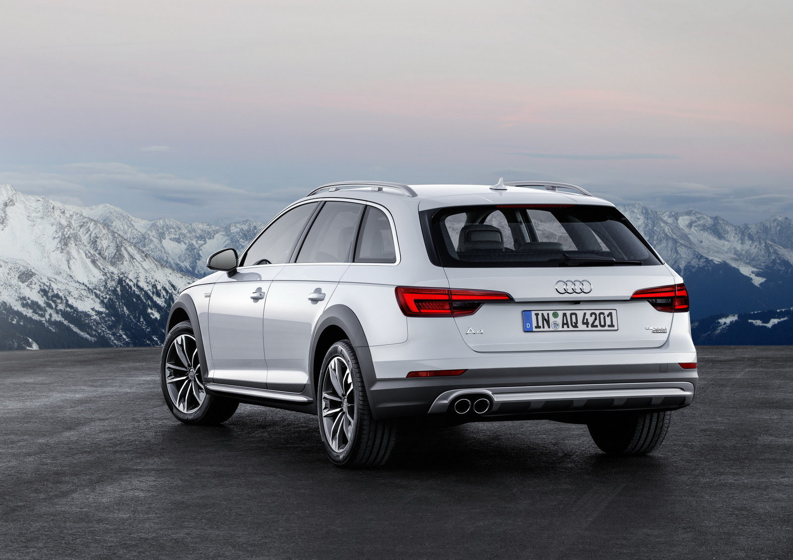 Hasil gambar untuk Audi A4 Allroad 2017
