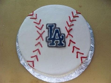 1000  ideas about Baseball Grooms Cake on Pinterest