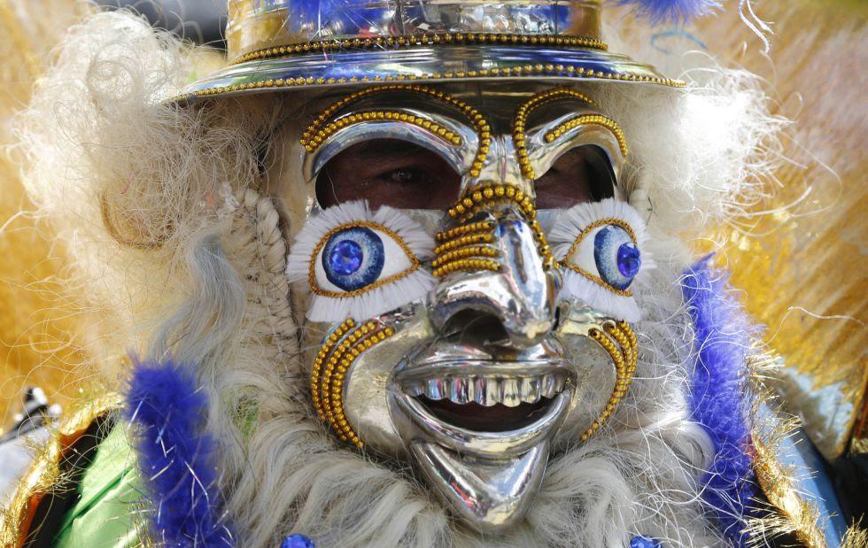 Máscara de uno de los participantes en el carnaval de Oruro, en Bolivia.