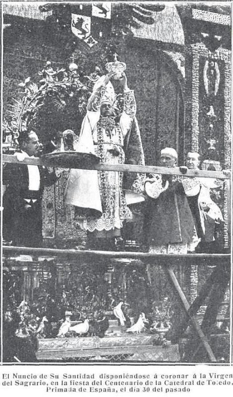 Coronación de la Virgen del Sagrario el 30 de mayo de 1926. Revista Mundo Gráfico. Foto Cortés