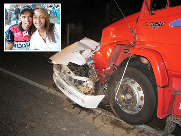 Casal morre e criança de 3 anos fica em estado grave após acidente (Foto: Giácomo Constanti / Vale Independente)
