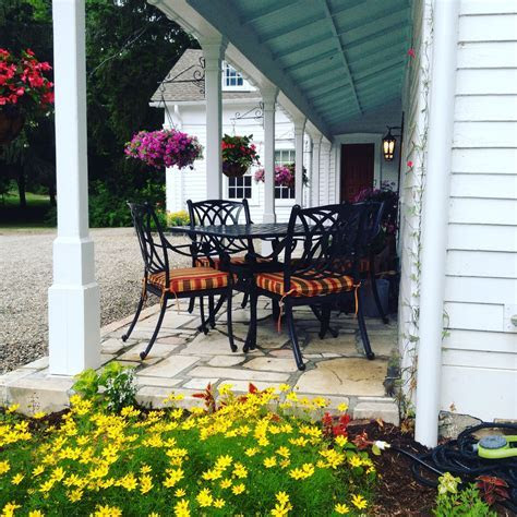 Old Drovers Inn Bed & Breakfast   The Return of a Classic