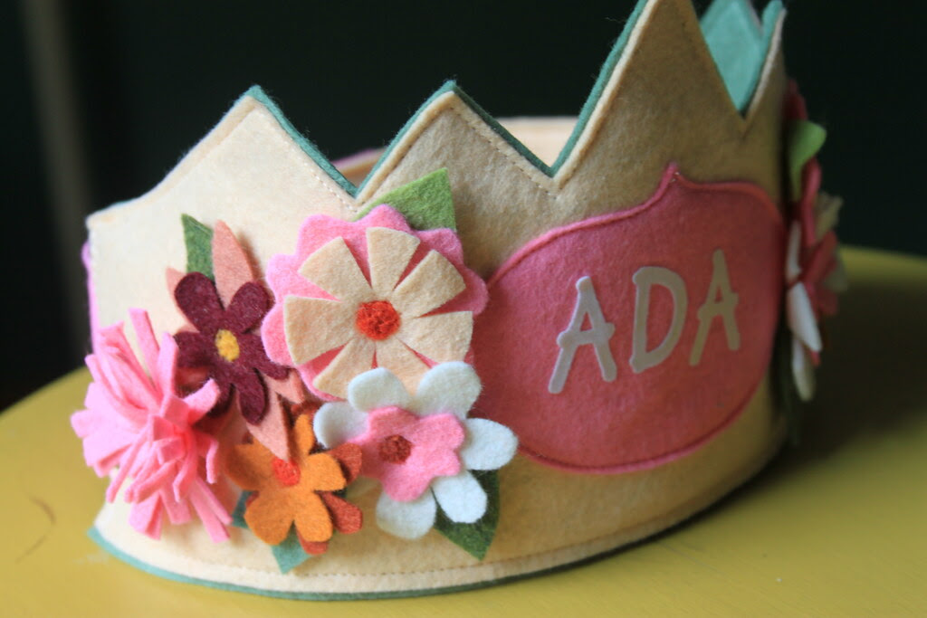 Ada Pink Flowers Crown