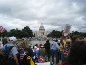 9_12_tea_party_in_DC-50.jpg