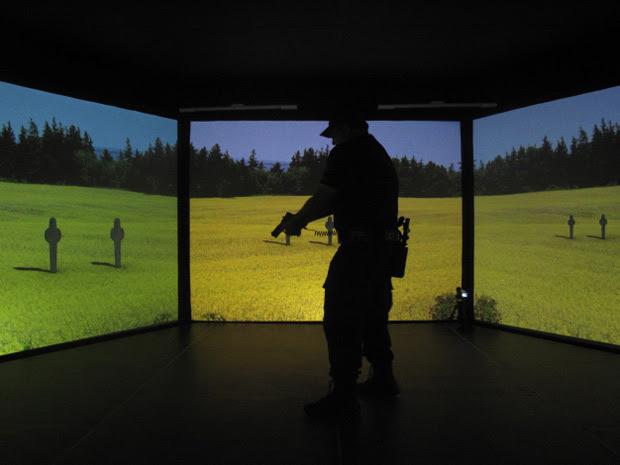 Simulador vai auxiliar no treinamento de policiais civis e militares (Foto: Thamine Leta/G1)