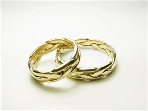 Scottish Wedding Rings   LoveToKnow