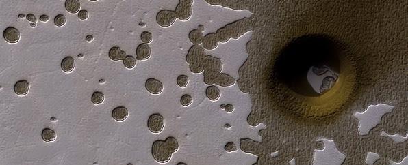 Deep-hole-Mars